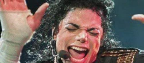 Fãs do Rei do Pop debatem nas redes sociais, sobre sua improvável reaparição