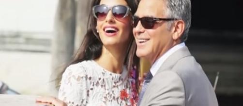 'Hail, Caesar!: acto George Clooney and his wife Amal / Photo via CNN , YouTube