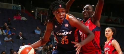 Jonquel Jones and the Connecticut Sun host the Indiana Fever on Sunday afternoon. [Image via WNBA/YouTube]