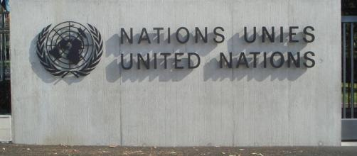 United Nations signage (credits:flickr https://www.flickr.com/photos/munksynz/1351689644)