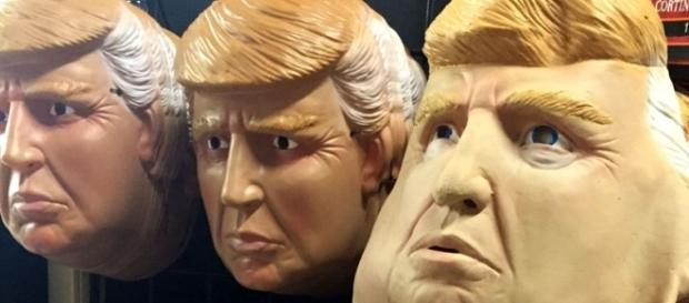 Photo Donald Trump masks similar to those worn by Italian robbers [Wikimedia/Polylerus/CC BY-SA 4.0]