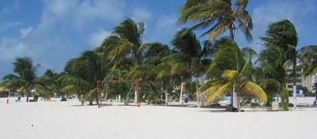Isla Mujeres, one of the best resorts in Mexico / Photo via Tbachner , Wikimedia Commons
