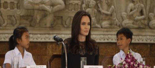 Angelina Jolie Fights Back Against 'Vanity Fair' Tell-All Excerpt ... - globoble.com