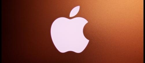 Apple's patent application gives a peek in the company's AR Glasses / Photo via Paul Hudson, Flickr