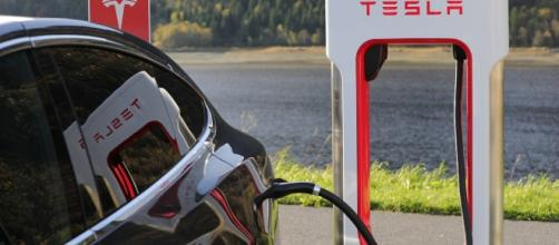 Elon Musk said Tesla will experience 'production hell' in the next six months. Image source: Pixabay