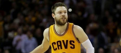 Image via Youtube channel: The Fumble #MatthewDellavedova