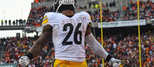 Le'Veon Bell holding out but Pittsburgh Steelers need him back now- Photo: YouTube