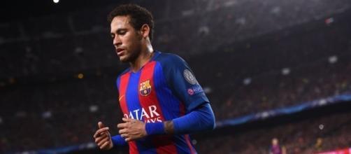 Neymar au PSG, l'éternel feuilleton du mercato - France 24 - france24.com