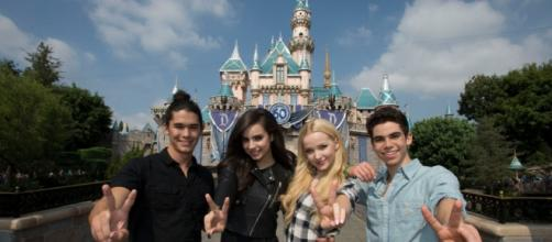 No fued bewteen Dove Cameron and other atcresses - Image - Disney | ABC Television Group 141296_5179 | Flickr