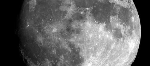 The start-up called Moon Express wants to send an unmanned spacecraft to the moon before the year ends. Image Source: Pixabay