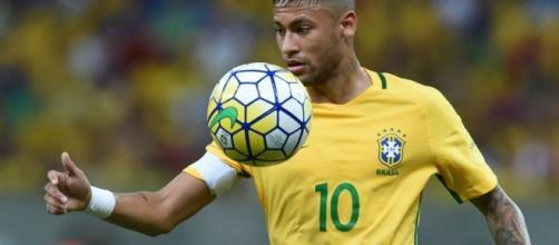 Transferts : l'agent de Neymar ouvre la porte au PSG - France 24 - france24.com
