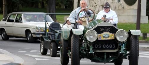 Traverser Paris avec une telle auto...un exploit.