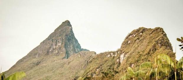 À esquerda, o Pico da Neblina (Foto: Rodrigo Silva)