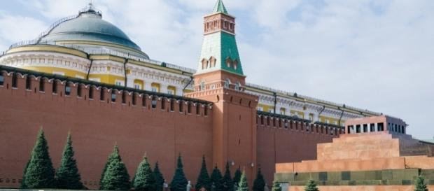 Seat of Russian power the Kremlin. https://pixabay.com/en/moscow-the-kremlin-russia-2210329/