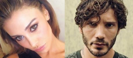 Gossip: Belen e Stefano irriconoscibili in vacanza: ecco perché