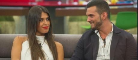Suso y Sofía ya no esconden su cariño en público