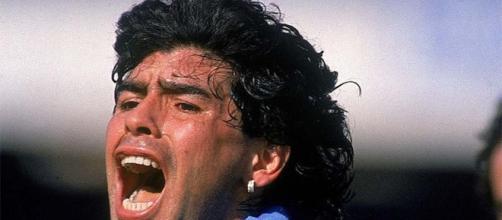 Diego Armando Maradona ai tempi della sua indimenticabile esperienza al Napoli