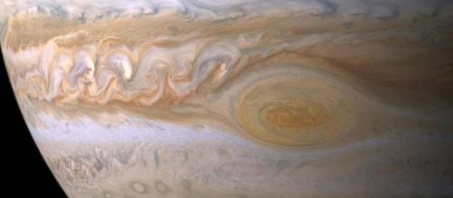 NASA's Juno set to fly over Jupiter's great red spot | Daily Mail ... - dailymail.co.uk