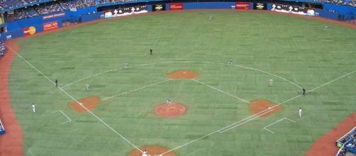 Rogers Centre Blue Jays.jpg (Wikimedia Commons - wikimedia.org)
