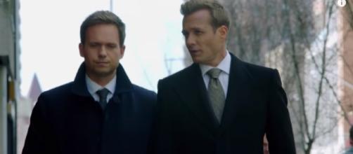 'Suits' season 7 premieres next week [Image via screenshot TVPromosDB YT]