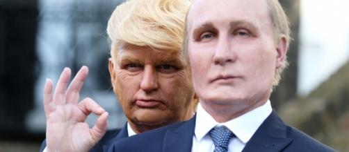 Trump and Putin impersonators, London, Uk, March 2017. / [Image by Taylor Herring via Flickr, Public Domain]