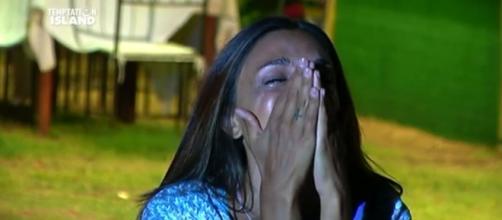 Valeria piange nella terza puntata di Temptation Island