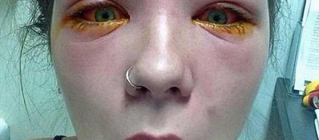 As mulheres devem ficar atentas aos produtos para o rosto (Foto: Caters News Agency)