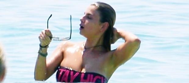 Emma Marrone in vacanza con Belen e Stefano