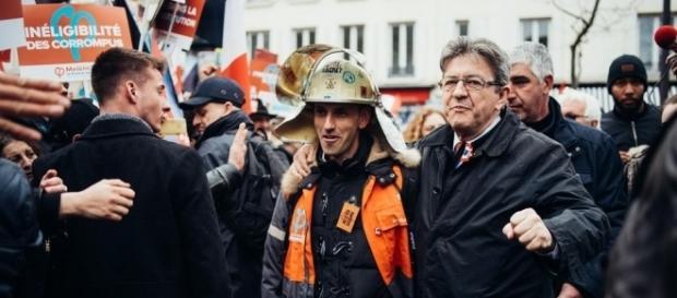 Jean-Luc Mélenchon se paye le discours d'Emmanuel Macron