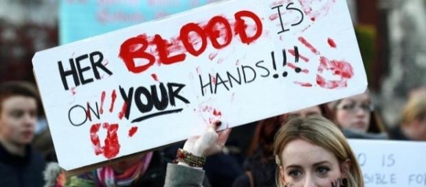 Lors d'une manifestation pour l'avortement ...