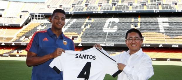 O atleta foi contratado por uma fortuna pelo Valencia. ( Foto: Reprodução)