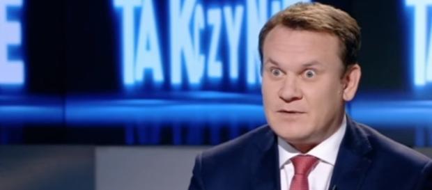 Polityk Dominik Tarczyński (źródło: Polsat News).