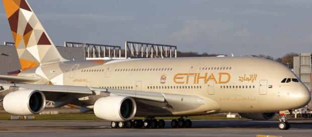 US lifts laptop ban for Etihad flights.