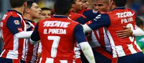 el campeón Chivas se enfrenta al Atlas partido de pretemporada