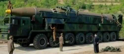 """Chad O'Carroll on Twitter: """"And here it is: the Hwasong-14 https ... - twitter.com"""