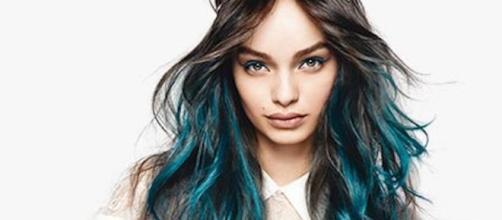 El tono azul turquesa del producto Colorista de L'Oreal