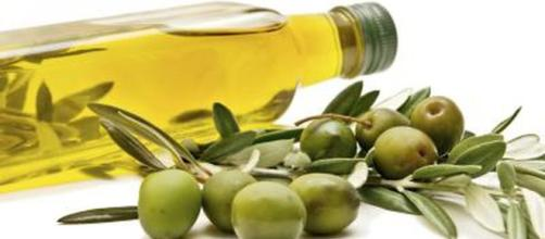 How to Substitute Olive Oil for Vegetable Oil When Baking ... - livestrong.com