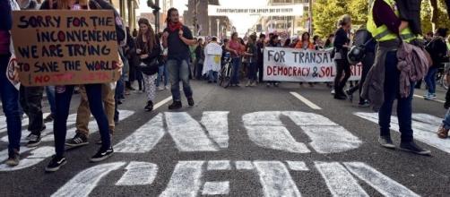 Parliament committee gives CETA thumbs down   bilaterals.org - bilaterals.org