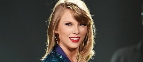 Taylor Swift's Beverly Hills Mansion Is A Historic Landmark - Us ... - usmagazine.com