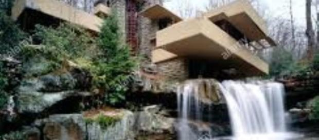 Falling Water by Frank Lloyd Wright FAIR USE alamy.com Creative Commons