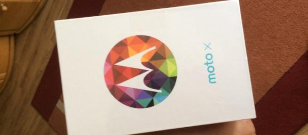 Leaked images of Moto X4 shows dual camera setup and lots more -- Wikimedia Commons