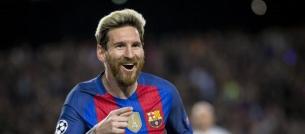 Lionel Messi signs new contract extension at Barca (Image Credit: pinterest.com)