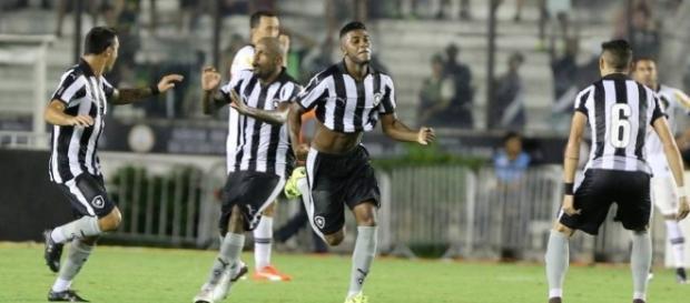 O Botafogo pode perder mais um atleta