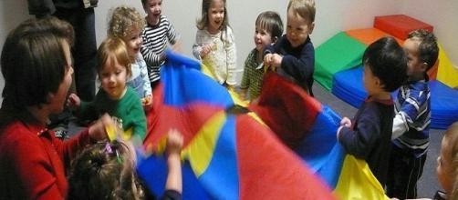 Children at play / Photo Via Grant Barrett . Wikimedia Commons