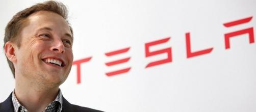 Elon Musk's Neuralink Wants To Connect Brains With Computers - ubergizmo.com