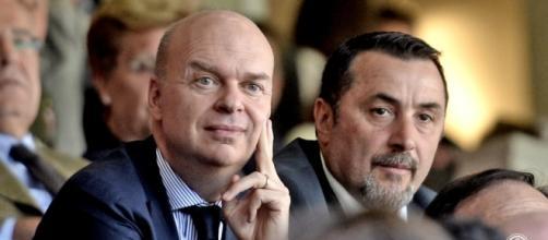 Gli uomini di mercato rossoneri, Marco Fassone a sinistra, Massimiliano Mirabelli a destra