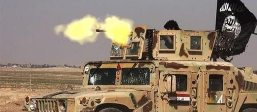ISIS Is Converting 2/3 Of US Humvees Given To Iraq Into Car Bombs - thelibertarianrepublic.com