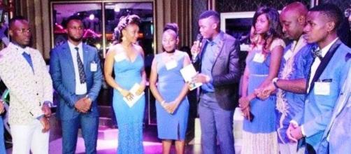 Les membres de L'ONG Go Blue for clean Water Cameroon lors de la soirée (c) Toussaint Abessolo