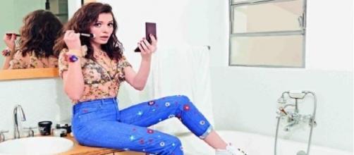 Monica Iozzi posa para a revista 'Cosmopolitan'
