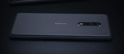 Nokia 8 e Nokia 9 protagonisti di nuovi render e sketch - tuttoandroid.net